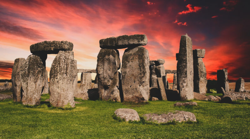 Celebra la llegada del verano desde Stonehenge